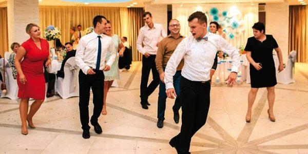 Wystarczy tylko chcieć z Maciejem Berbeckim, chirurgiem w trakcie specjalizacji, poliglotą tańczącym salsę, rozmawia Anna Augustowska