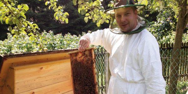 Pszczoły mają charakter z Michałem Kozakowskim, lekarzem dentystą, pszczelarzem i zapalonym żeglarzem, rozmawia Anna Augustowska
