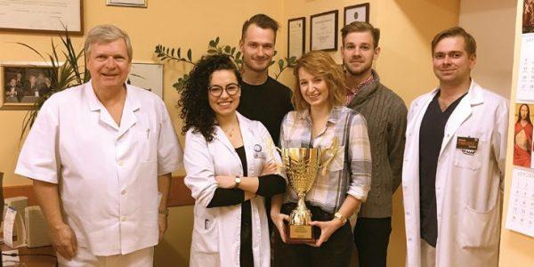 Szyli dzielnie izzapałem! Drugie miejsce zajęli lubelscy studenci uczestniczący wzmaganiach mistrzostw Polski wszyciu chirurgicznym dla studentów medycyny.