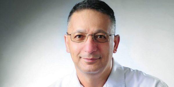 Chodzi oaktywność z prof.Mansurem Rahnama, konsultantem krajowym wdziedzinie chirurgii stomatologicznej iprezesem Polskiego Towarzystwa Chirurgii Stomatologicznej iSzczękowo-Twarzowej, rozmawia Jerzy Jakubowicz