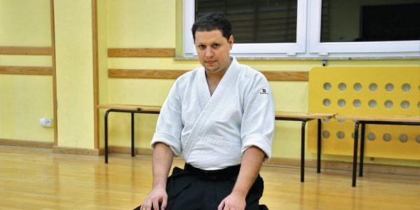 Samuraj może być neurochirurgiem z Michałem Rutkowskim,młodszym asystentem wKlinice Neurochirurgii iNeurochirurgii Dziecięcej SPSK 4 wLublinie,mistrzem aikido iwielbicielem sztuk walki,rozmawia Anna Augustowska