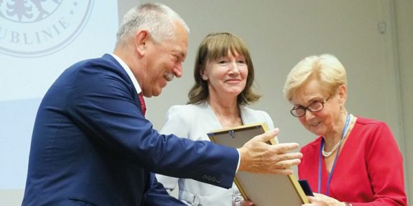 Złoty jubileusz 21 września wauli Collegium Novum UM wLublinie spotkali się absolwenci, którzy 50 lat wcześniej otrzymali dyplomy lekarza medycyny.