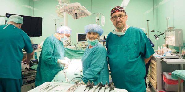 Dajemy lekarzom szanse Dariusz Gałecki: Studentom medycyny, którzy zobowiążą się wprzyszłości dopracy whrubieszowskim szpitalu, będzie wypłacane stypendium.