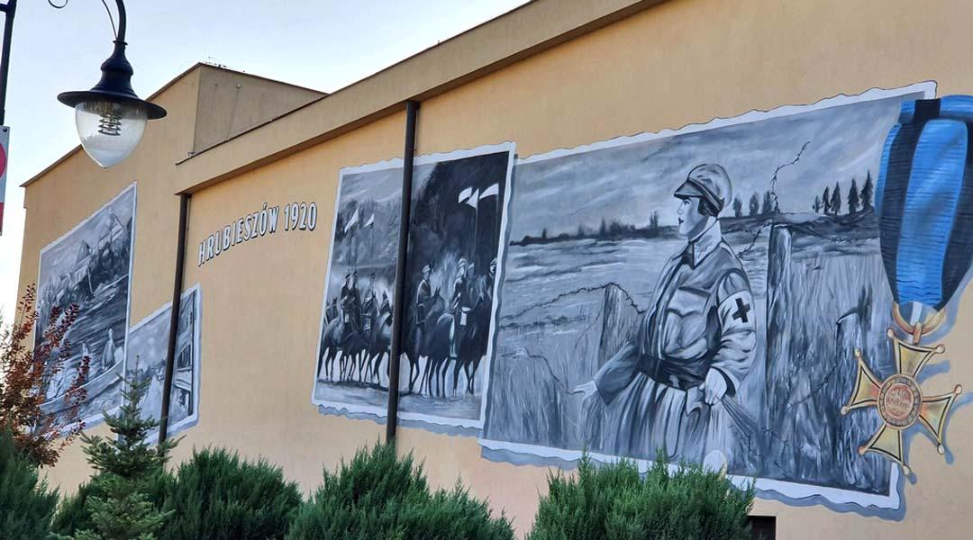 Sanitariuszka Teresa na muralu w Hrubieszowie